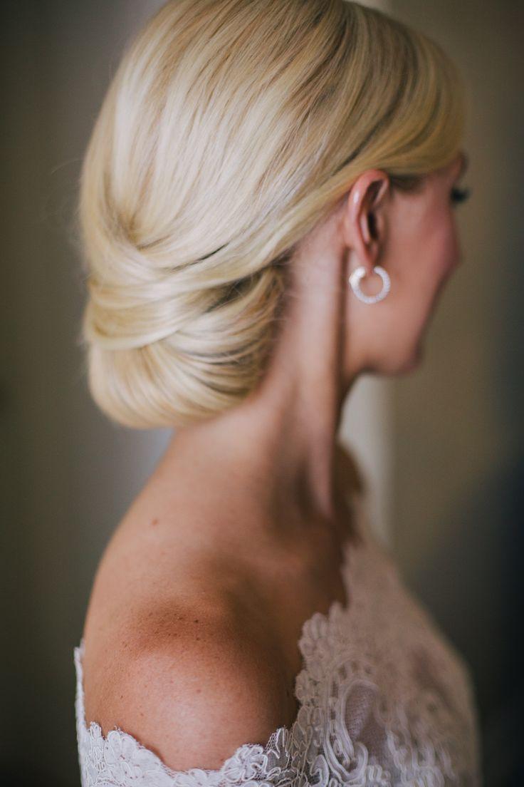 Bride Chignon   photography by http://www.kellystonelake.com/