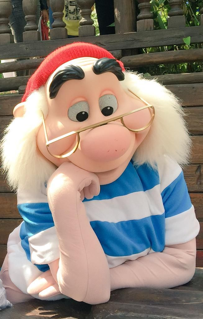 We love meeting Mr Smee!! #Disney #DisneylandParis #Disneyland