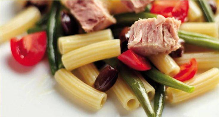 Insalata di pasta con julienne di verdure e tonno #Star #ricette #food #recipes #pasta #insalata #verdure #tonno