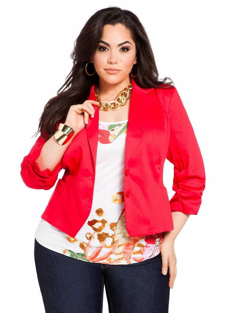 From the current hot plus sized boyfriend blazer trend, the easily mixable long and short line blazers, and the enormous palette of color to play with, there is a wealth of opportunity at your fingertips when it comes to designing outfits using plus size blazers.