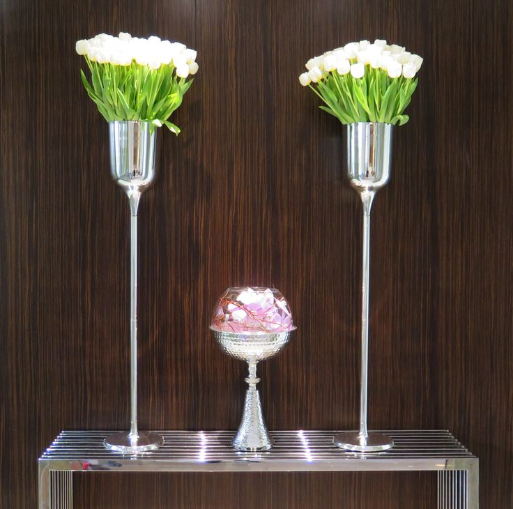 Les compositions fleuries de notre gouvernante générale Déborah ornent les quatre coins du Grand Hôtel, Cannes.