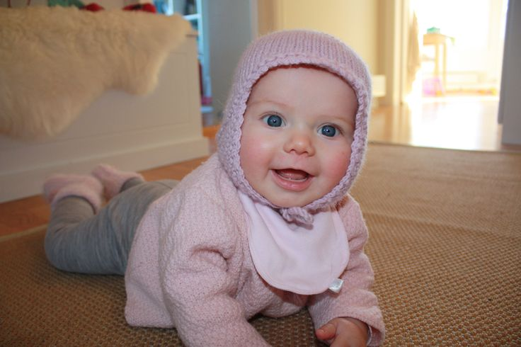 """I have knitted up several of these hats for my two girls. They fit so well. The pattern is from garnstudio.com, called """"babyDROPS 16-13"""". #strikkelue #alpaca #free pattern"""