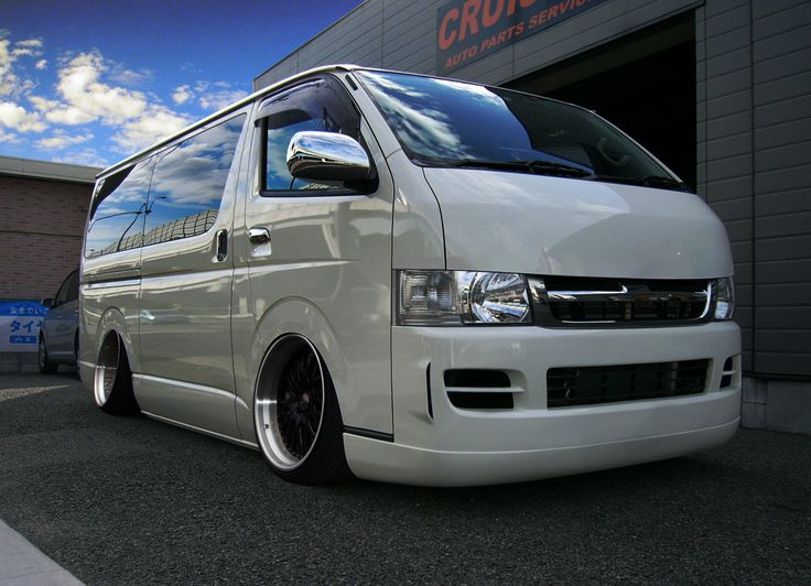 Toyota Hiace VIPstyle