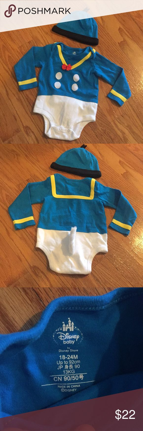 Donald Duck Costume Bodysuit for Baby 18-24 M Donald Duck Costume Bodysuit for Baby 18-24 months. Worn ones for pictures.  See photos for details. Disney Costumes