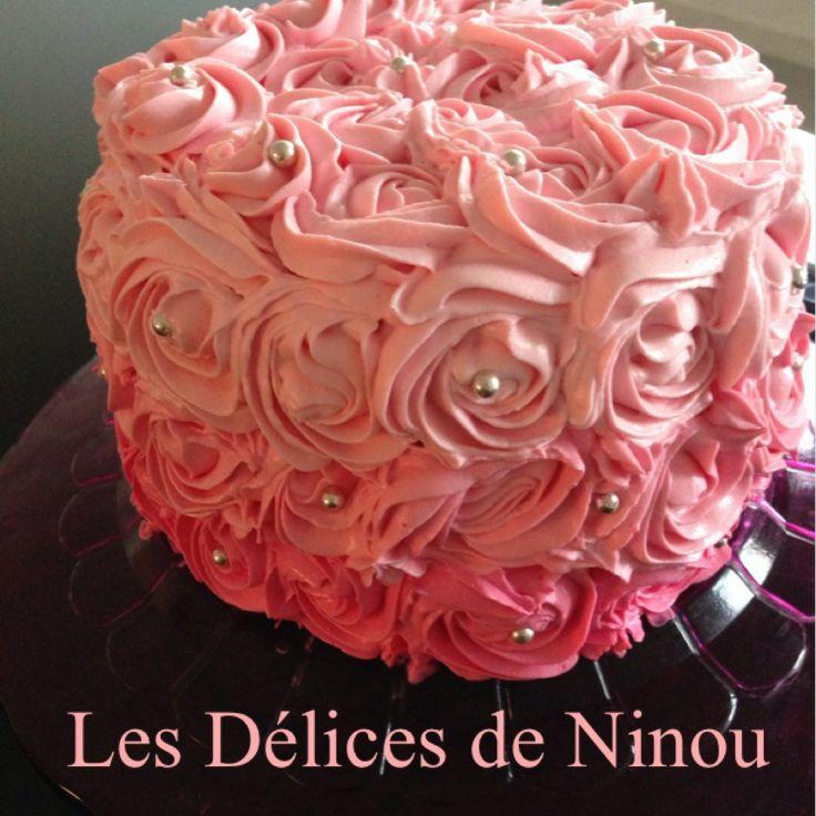 Ce gâteau m'a longtemps fait de l'œil avant que je ne me décide enfin à le réaliser.. Pour tout vous dire il n'est pas aussi compliqué à faire qu'il en à l'air. Je les fait pour l'anniversaire de ma petite princesse, je me suis...