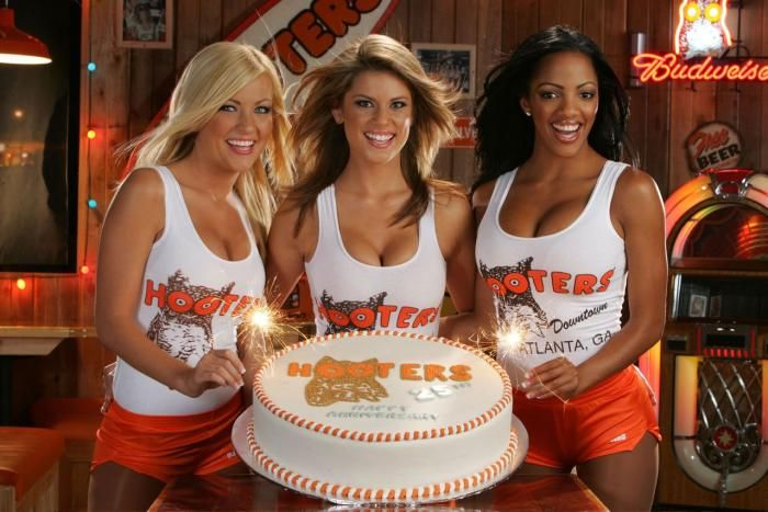 Mom's Get A Discount At Hooters On Mother's Day | News
