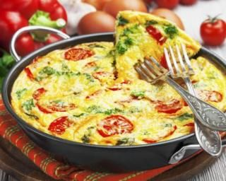Omelette anti-capitons aux tomates et poivrons