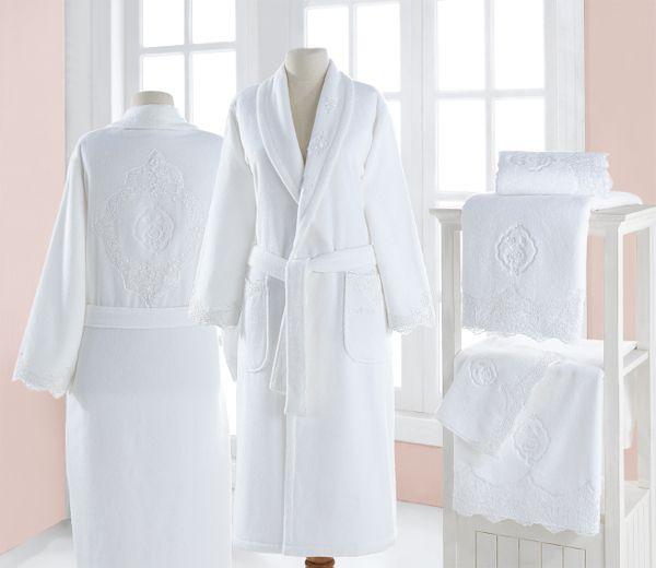 Kolekcia DIANA je ideálna ako darček, kedy spolu s malým a veľkým uterákom a dámskym županom DIANA bezpochyby potešíte.