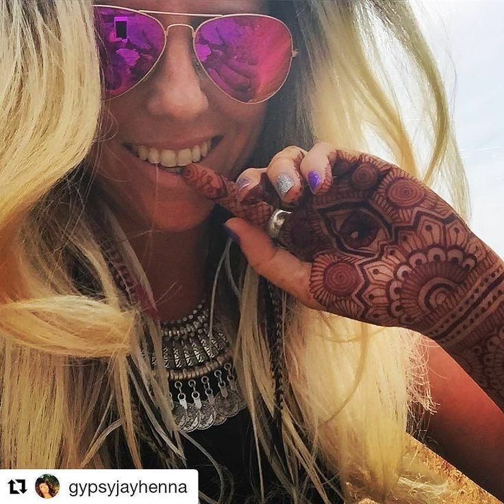 #follow@hennafamily #hennafamily #Repost @gypsyjayhenna  I'm so happy with life!! Henna has given me a fire passion inspiration that not only fuels everyday but every minute of my life. I look at the world with fresh eyes and see new patterns and designs everywhere I look#henna #mehndi #gypsysoul #gypsy #hippie #mermaid #unicorn #bohostyle #nails #thirdeye #tattoo #girl #shades #sunglasses #instalike #followforfollow #instagood #sexy