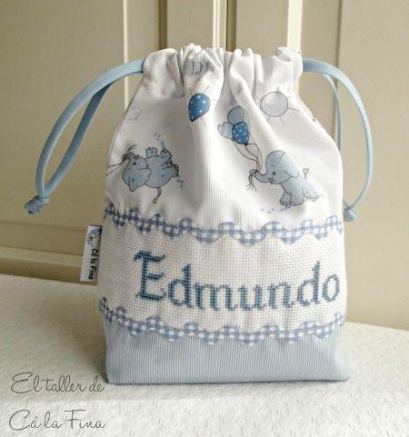 Bolsita para pañales personalizada para Edmundo. #bebes #canastillas