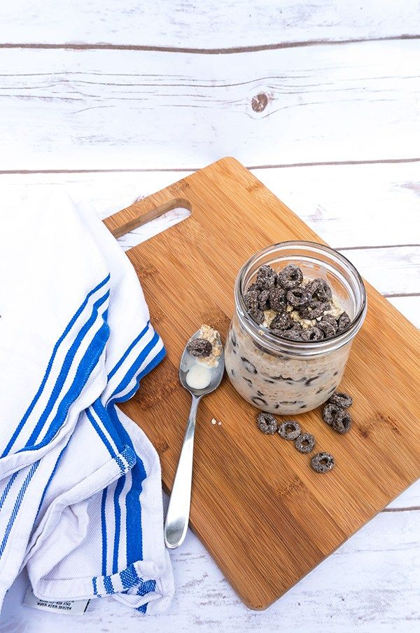 Make cookies and cream overnight oats and Oreo O's cereal bars. Oreo O's are a versatile cereal that can be used in many different, delicious ways.