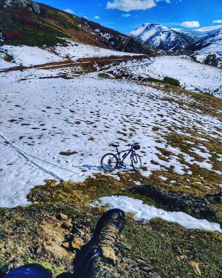 Kışın kendisini hissettirdiği bir sabahtan günaydınlar @mustfa.varli teşekkürler #kış #kar #bisiklet #manzara #bisikletturu #bisikletliyaşam #bisikletkeyfi #bisikletaşkı #bubisiklet #mersinbisiklet