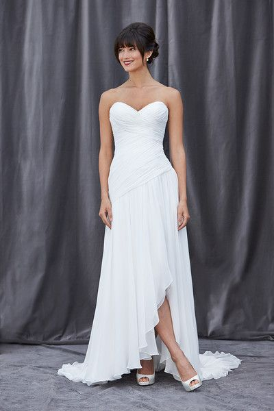 Lis Simon, Wedding Dress Photos by Lis Simon - Image 1 of 70 - WeddingWire Mobile