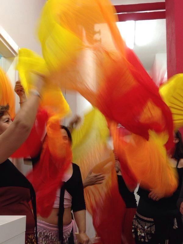 che magia la #danzaorientale con i #fanveil! ogni mercoledì alle 19.30