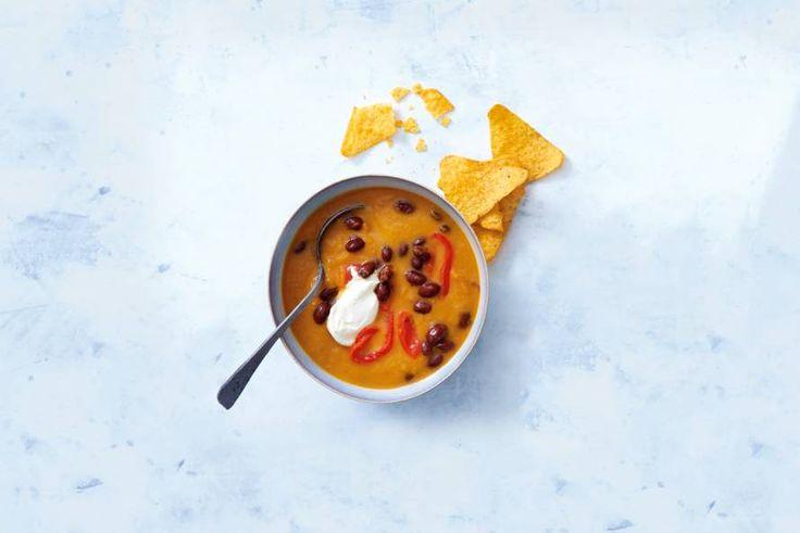 Altijd goed: een kop verse soep. Met deze lekkere extra's een complete maaltijd.- Recept - Allerhande