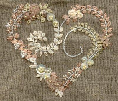 precioso corazón bordado