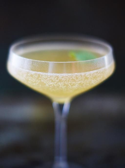 Old Cuban cocktail. Lime. Mint. Sugar syrup. Prosecco.
