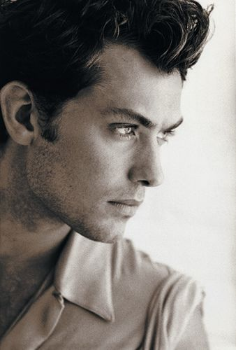 Jude Law// he's just so damn pretty. And his nose (my weakness in a man) is perfection.