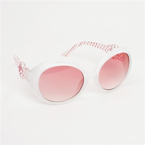 Designer girl accessories - Milk & Soda - Olivia Sunglasses - White    Price: $19.95    Chic Olivia sunglasses for your little style setter, come in a drawstring pouch along with UV 400 protection lenses and lens cleaner! Designer girl accessories - Milk & Soda