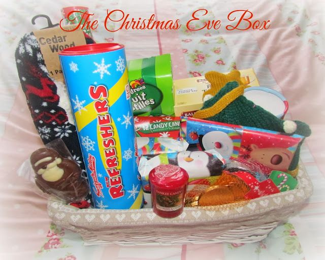 The Christmas Eve Box ♥ http://www.dollydowsie.com/2013/12/the-christmas-eve-box.html