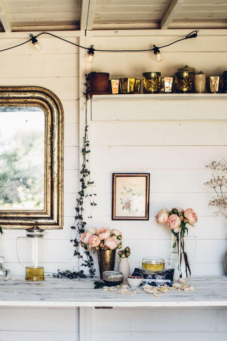Feminine summer shed style