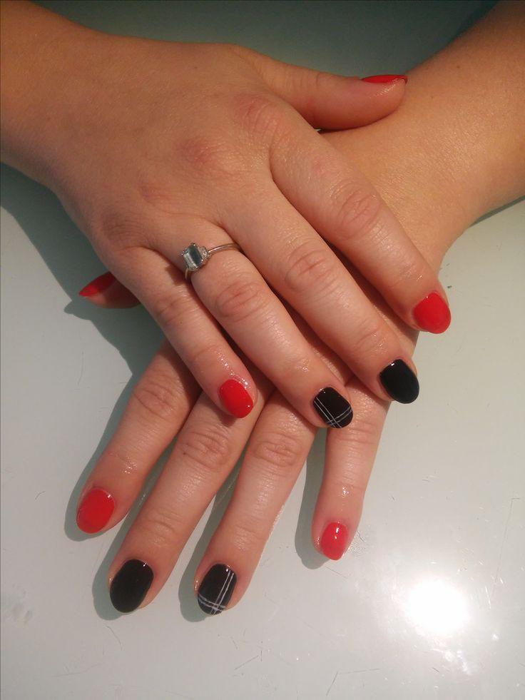 Black and red  Nails Semilaczki
