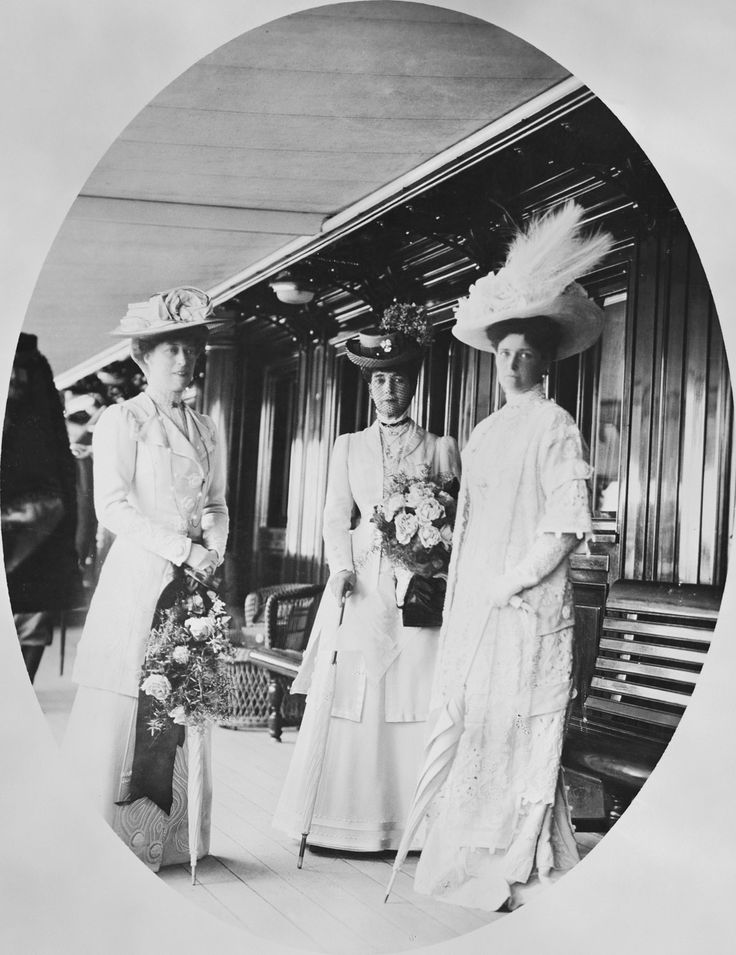 CE von Hahn & Co (active 1898) - Queen Alexandra, Princess Victoria and Alexandra Feodorovna, Empress of Russia on the deck of the Russian Imperial Yacht Standart during the Cowes Regatta, 1909