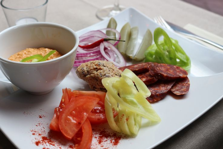 Vegyes magyar ízelítő/ Hungarian cold specialities