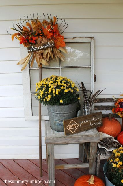 DIY Fall Rake Decor - The Summery Umbrella
