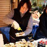 Je vous emmène à Tokyo manger des huîtres, ça vous dit ?! Balade matinale au milieu des étals, dans le plus grand marché au poisson du monde... #voyageenfamille #familytrip #tokyo #tsukijifishmarket #tsukiji #avecmesenfants #travelwithkids #famillevoyageuse #voyageavecenfants #blogvoyage #blogfamille #travel #travelgram #kidstravel #familytravel #voyage #huitres #seafood #oisters #fruitsdemer #famillevoyageuse #takethekids #familytravel #ilovejapan #Japon #voyagejapon #japan #japanesefood