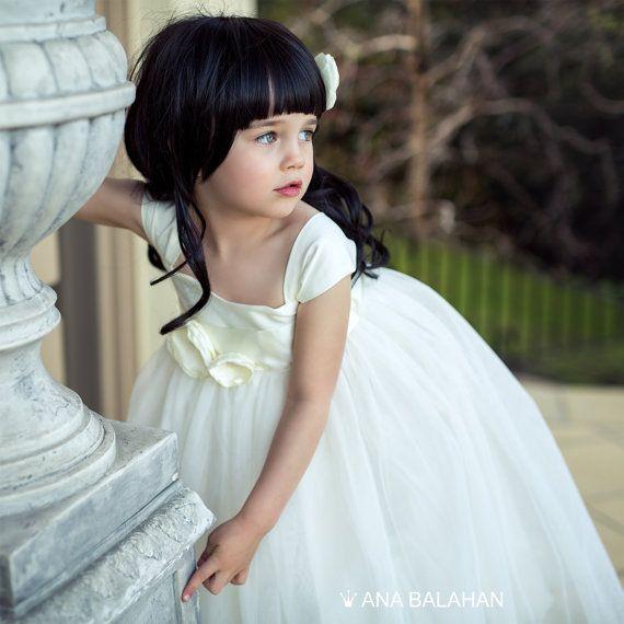 Flower girl dress, Vintage flower girl dress, Classic ivory dress, Fairy dress, Birthday girl dress, Princess Dress with belt, Baptism dress