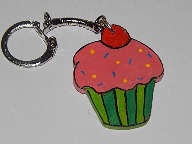 porte-clé cupcake en bois rose et vert : Porte clés par creacendre