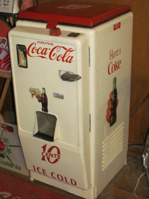 Vintage 1950s Cavalier C-33 Coca Cola Bottle Vending Machine
