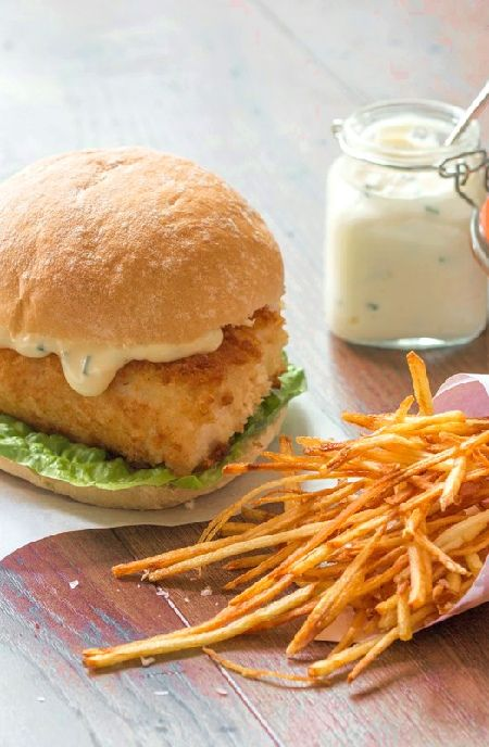 Low FODMAP Recipe and Gluten Free Recipe - Crispy sesame fish burger with lime mayo      http://www.ibs-health.com/low_fodmap_crispy_sesame_fish_burger_lime_mayo.html