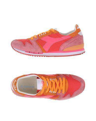 Diadora Heritage Exodus C Sw - Low Sneakers & Tennisschuhe Herren auf YOOX. Die beste Online-Auswahl von of  Diadora Heritage Herren. YOOX exklusive Produkte italienischer und internationaler Designer – Sichere Zahlung – Kostenlose Rückgabe