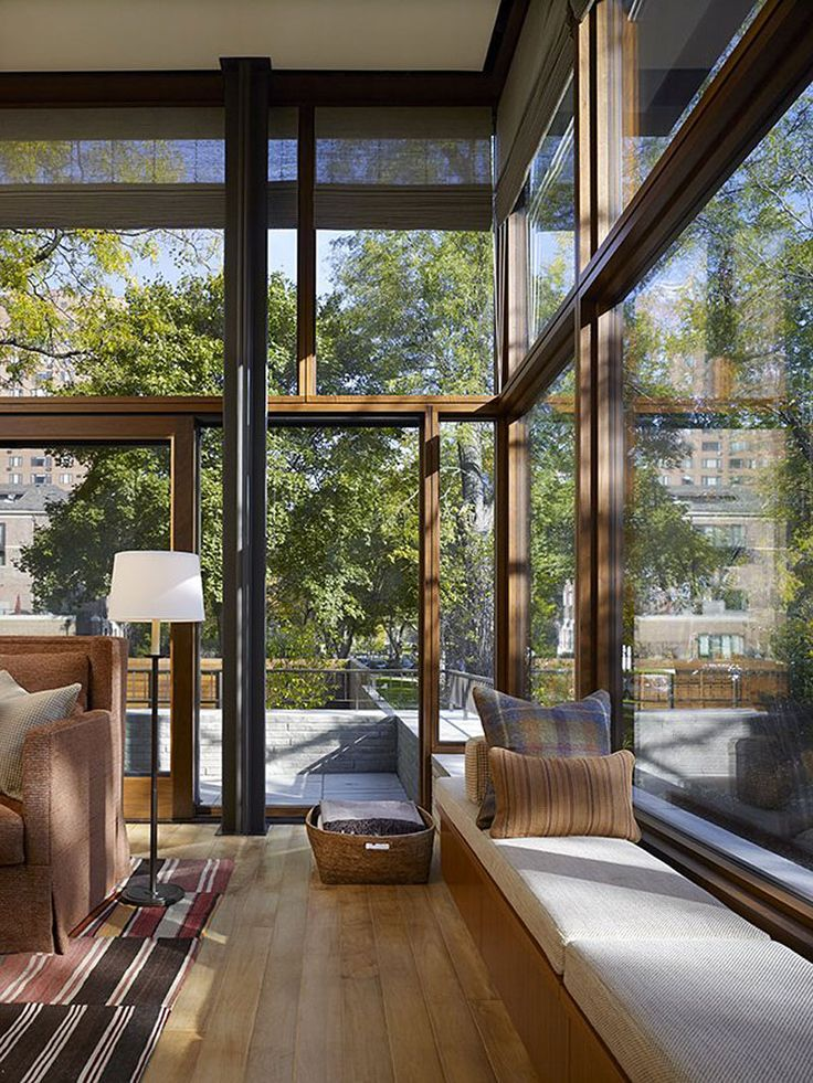 Lake Shore Drive House by Wheeler Kearns Architects Lake Shore Drive House by Wheeler Kearns Architects (6) – HomeDSGN, a daily source for inspiration and fresh ideas on interior design and home decoration.