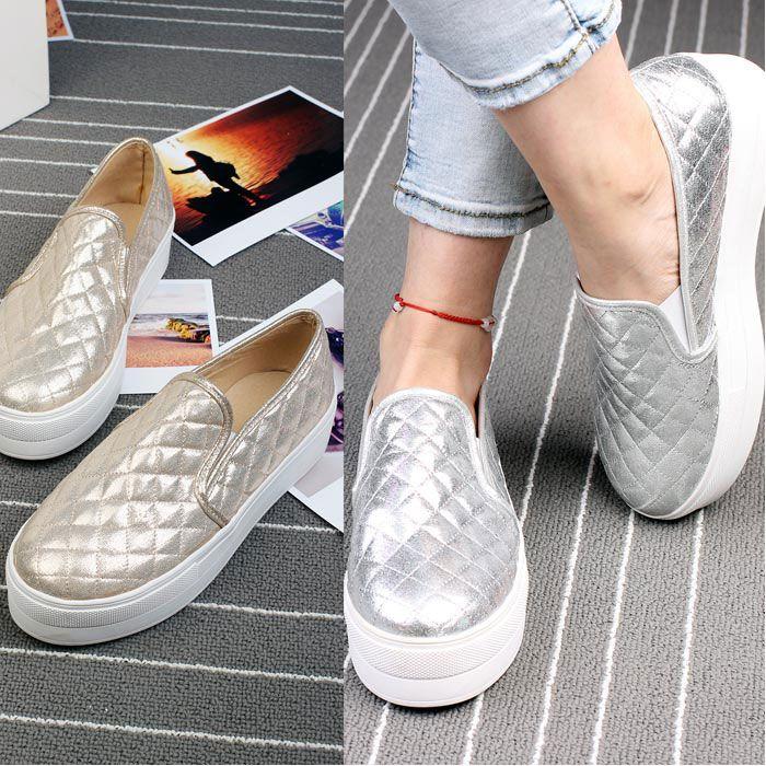Encontrar Más Moda Mujer Sneakers Información acerca de Novedades más vendido de marca de diseño moda mujeres zapatillas oro Silver Hologram zapatos planos primavera plataforma envío gratis, alta calidad zapatillas de deporte zapatos de atletismo, China zapatos de la escuela Proveedores, barato materiales de zapatillas de deporte de Angry Fashion Panda en Aliexpress.com