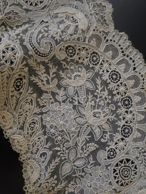 Antique Lace, Linens-Vintage Clothing-Textiles-Fans-Stella Niforos-New York: Antique Lace:Lace Collars Etc