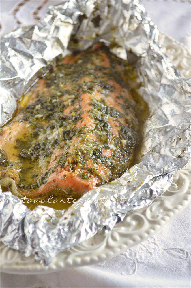 Filetto di salmone al cartoccio http://www.tavolartegusto.it/2012/11/16/filetto-di-salmone-al-cartoccio/