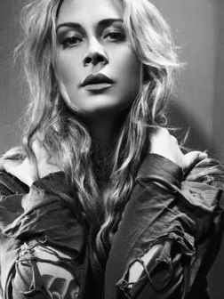 Anouk, our brst Dutch singer/ songwriter