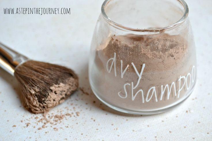 DIY dry shampoo for dark hair :: 2 Tbsp cornstarch, 2 Tbsp cocoa, dash of cinnamon or a few drops of a complimentary essential oil.