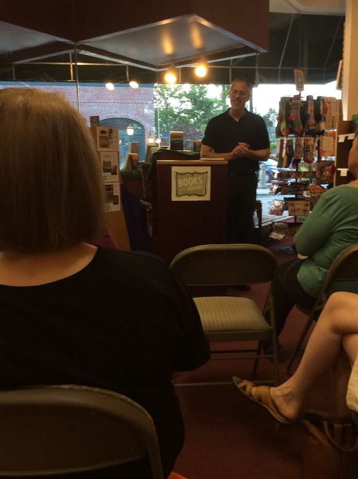 Andrew Pessin had a great time meeting readers at Books on the Square on 8/10. Thank you, Vanessa Gilbert, for taking these great photos.