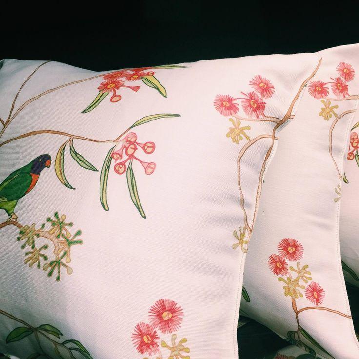 Carrying on the Australiana botanical theme we are loving this new design of linen cushion called 'Rainbow Lorikeet' by local Northern Beaches Designer  #cushions #interiors #interiordesign #homedecor #botanicalcushion #botanicalprint #designer #lorikeetbird #australianwildlife