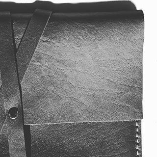 Сумка-планшет #PODCUSTM  Материал: Отборная Кожа Удобно как для переноски ноутбука и документов, так и для повсеместного использования Цвет: Черный Срок изготовления 1-3 дня Доставки во все регионы Стоимость - Whatsapp  #bag #macbookcase #кожаныеаксессуары #leather #girl #fashion #acsessories #шоурум #шоуруммосква #мода #сумки #сохо #стиль #модныйлук #style #hot #моднаяодежда #instafashion  #аксессуары #black #вналичии