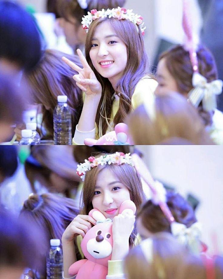 #Eunseo #Yeouidofansign