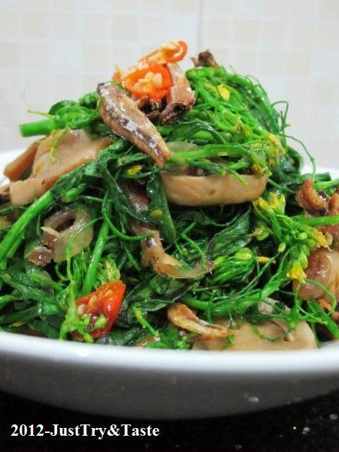 Just Try & Taste: Tumis Bunga Caisim, Jamur Merang & Teri: Bunga lezat di atas meja makan anda