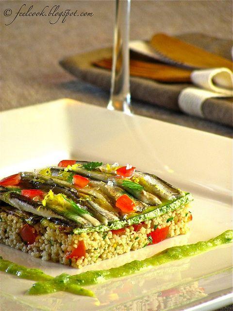 Per una antipasto elegante ed originale, #tortino di #couscous con verdure fresche e #alici marinate!