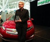 A Chevy Volt il titolo Green Car 2011 di L.A.    Al Los Angeles Auto Show erano dieci le finaliste per il titolo di Auto Pulita 2011., incluse Chevrolet Volt, 2011 Ford Fiesta, 2011 Hyundai Sonata Hybrid, 2011 Lincoln MKX Hybrid e 2011 Nissan LEAF.   The Green Car of the Year award è un programma che premia le attitudini in campo...