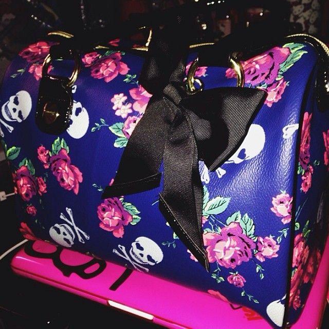 Love this Betsey Johnson bag<3