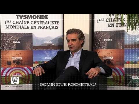 Bonus la magie de la Ligue 1 - Rencontre avec Dominique Rocheteau, surnommé « l'ange vert », il a contribué à l'épopée de l'AS St-Etienne avec qui il a été trois fois champion de France puis dix ans plus tard (1986) il le sera à nouveau avec le PSG.